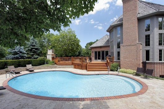 What's So Great About Kidney Shaped Pools? - Pool Pricer