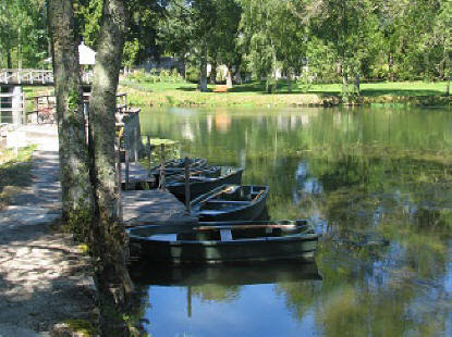boats on the river indre at chateau del'Islette