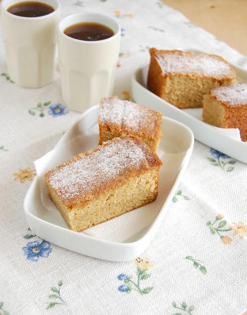 Dulce de leche pound cake / Bolo de doce de leite