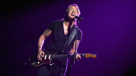 Keith Urban is returning to Colorado this summer