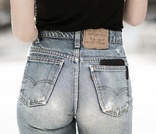 14 Le Fashion Blog Shots That Prove Levis Make Your Butt Look Amazing Good High Waisted Denim Via Garance Dore
