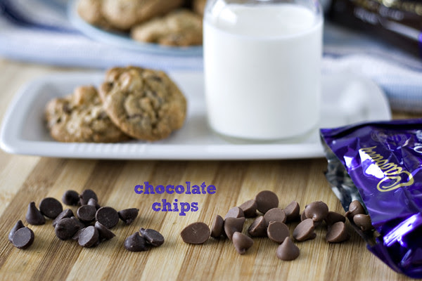 choc chip macadamia cookie 05