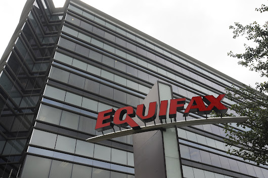 Is Equifax's CEO on his way out? - CBS News