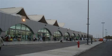 bandara king abdul aziz dianggap terburuk  timur tengah