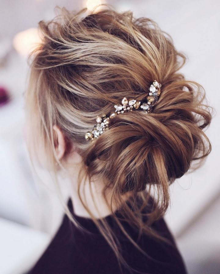 Beautiful messy bridal  hair  updos  Wedding  hairstyle  updos