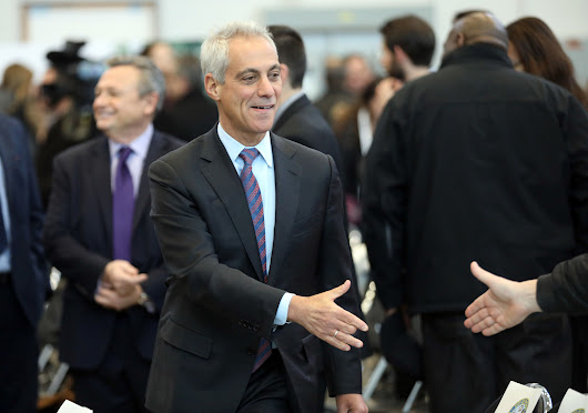 Emanuel makes first rounds with Trump White House