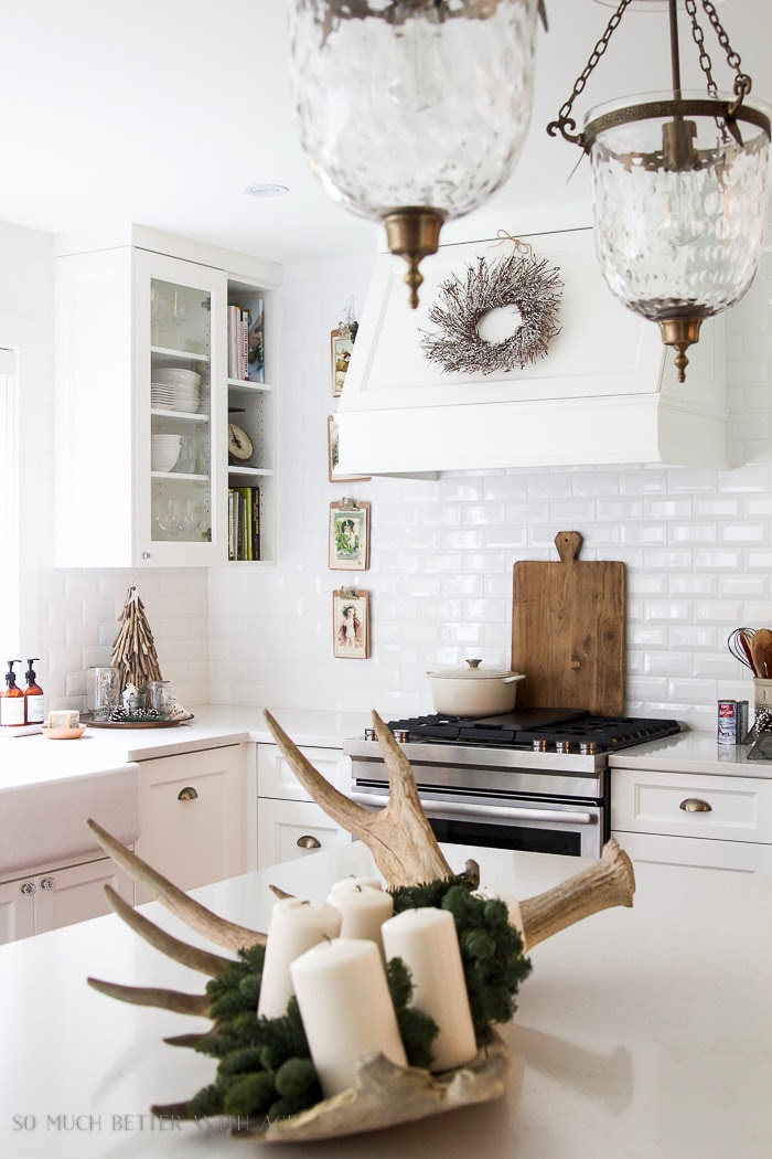 christmas-kitchen-tour-white-greenery-antlers-smbwa