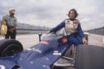 1977: Janet Guthrie foi a primeira mulher a tentar se classificar para a Indy 500. Não conseguiu em 1976, mas, no ano seguinte, classificou-se para a prova e chegou em 29º lugar. Em 1978, obteve o 8º lugar.