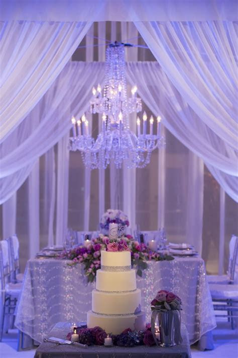 head table bling; wonderful idea to place cake in front of