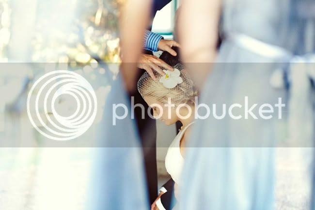 http://i892.photobucket.com/albums/ac125/lovemademedoit/EC_birdiewedding_023.jpg?t=1306321968