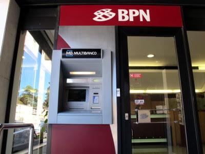 """""""A venda do BPN, com os seus créditos, ao BIC, poderá implicar que o crédito de 1600 milhões de euros seja pago pela Amorim Energia a um banco que tem como principal accionista a própria devedora"""" - Foto de Paulete Matos"""