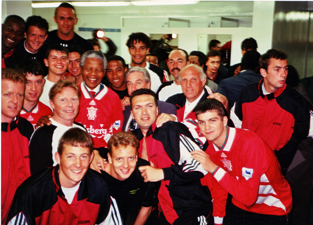tumblr m1qmf62ZZM1rrpwlpo1 1280 RIP Nelson Mandela, his life through a football lens [Pictures]
