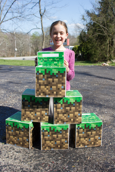 Make a Giant Upcycled Cardboard Minecraft Grass Block Party Invitation - Crafting a Green World
