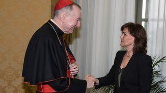 El secretari d'Estat del Vaticà, Pietro Parolin, i la vicepresidenta del govern espanyol, Carmen Calvo, s'han reunit aquest dilluns al Vaticà (EFE)
