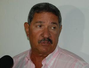 Pedrinho Albuquerque, técnico do Sousa (Foto: Silas Batista / GloboEsporte.com)