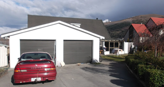 Flatting in Queenstown, New Zealand: What it's Like to Live with 16 People and Sleep in the Garage