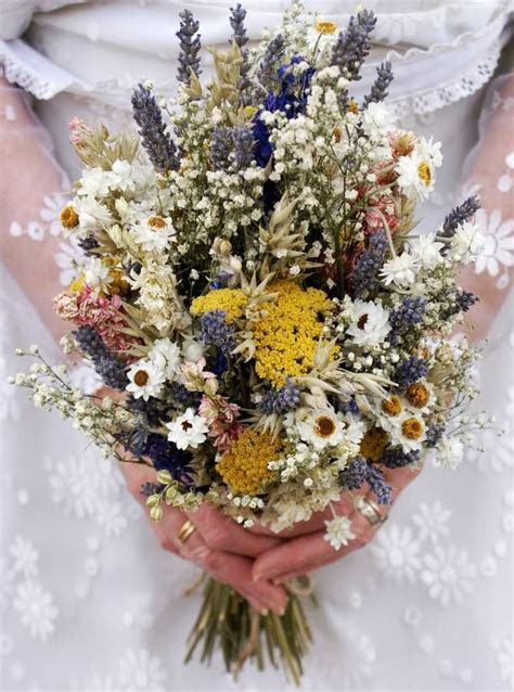 25  best ideas about Dried flower bouquet on Pinterest