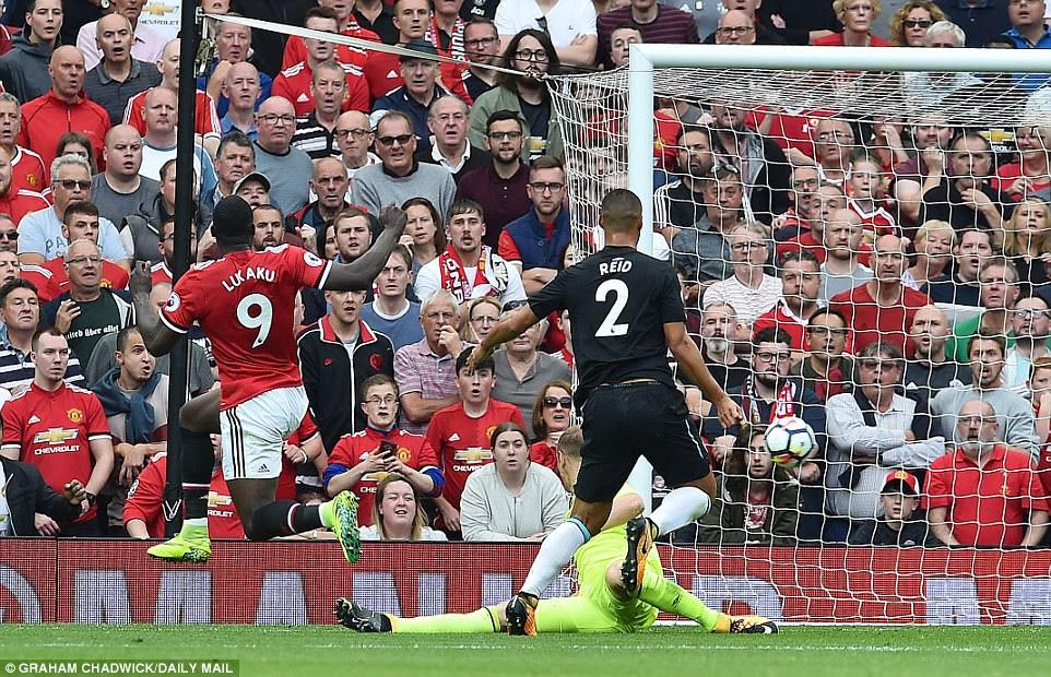 Lukaku fended off West Ham defender Winston Reid before smashing the ball past on-loan goalkeeper Joe Hart for the opener