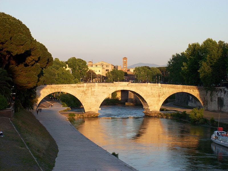File:2012-05-15 Roma ponte Cestio da ponte Garibaldi 1.jpg