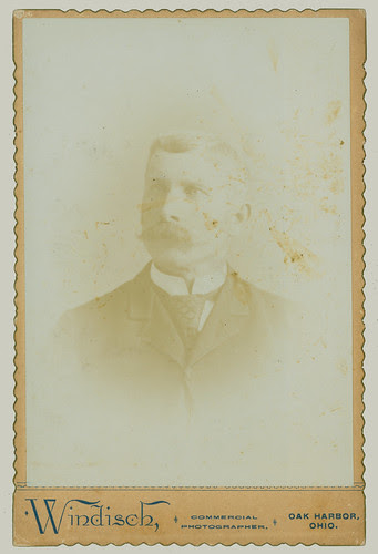Cabinet Card portrait of a man