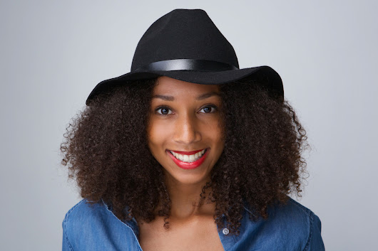 4 Ways To Wear Hats With Big Natural Hair | Curls Understood
