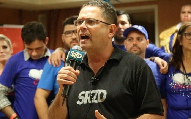 O jornalista Sidney Rezende critica o 'viés sufocante' da Globo em discurso no sábado - Divulgação
