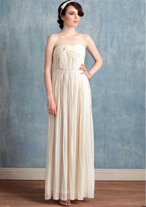 Cheap Wedding Dresses: Stylish Gowns For Less Than $250