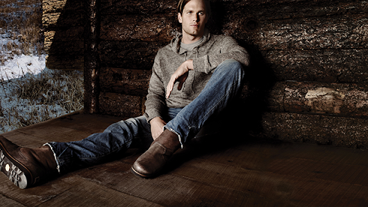 Tom Brady Makes His Periscope Debut While Shooting an Ad for Ugg Australia