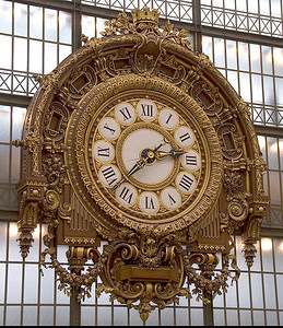 Paris, Musée d'Orsay, architect Victor Laloux's (1898-1900) clock at the front end of main hall.