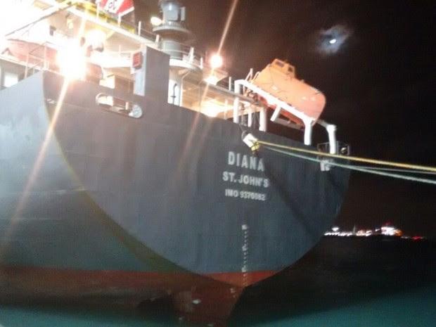 Embarcação chegou em Fortaleza na última terça-feira (23). Ele trazia castanhas (Foto: Polícia Federal do Ceará)