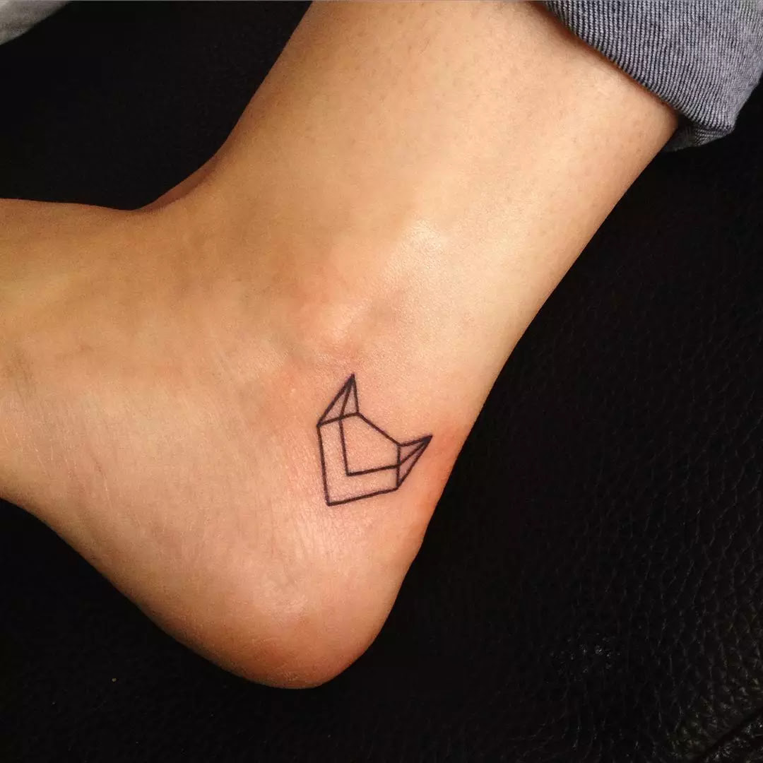 110+  lovable and Tiny Tattoos for Girls - Designs & Meanings