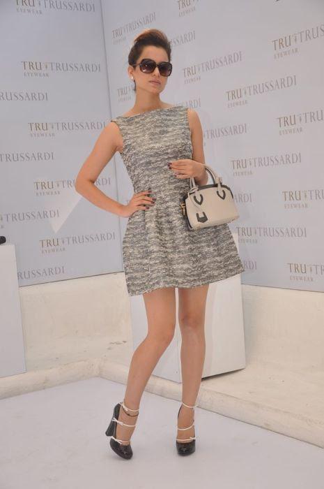 Kangana in a black & white Zara dress with Louis Vuitton mini tote & shoes.