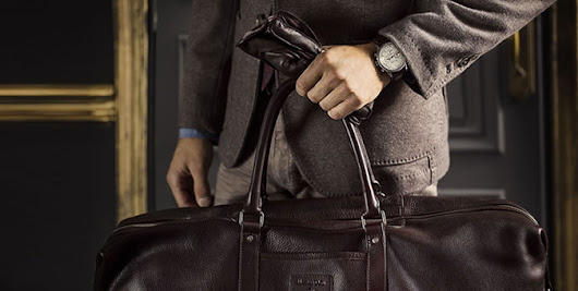 A Guide To Dressing For Business Travel