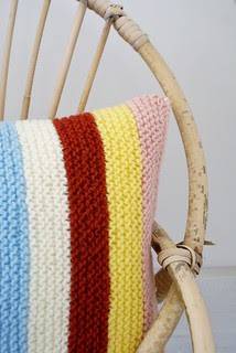 wood & wool knitted harlequin pillow 015
