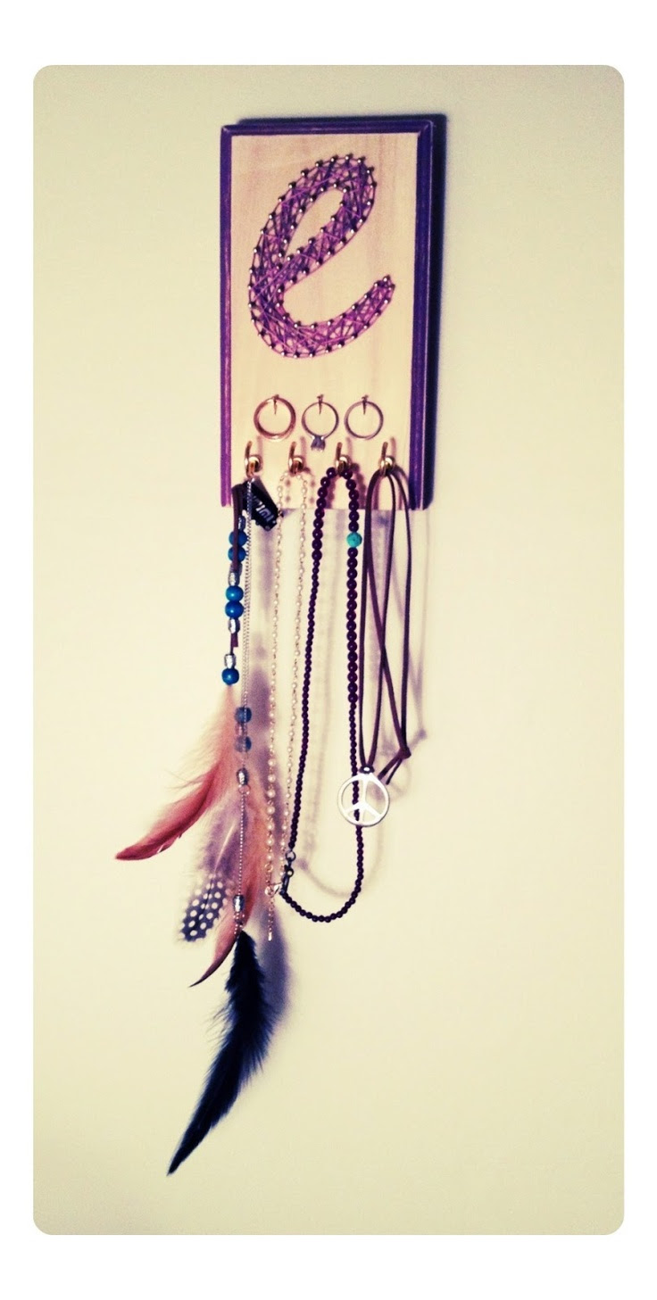 Easy string art jewelry hanger... Love this!