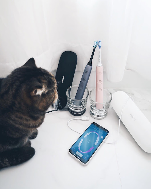 Travel Essentials - Philips Sonicare DiamondClean Smart | Rouge Closet