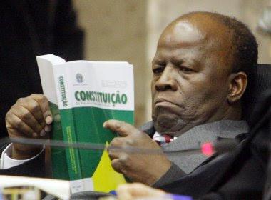 CNJ: Barbosa cobra aplicação da Ficha Limpa nos tribunais