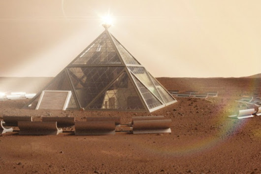 "Pyramid and human ""beehives"" designed for Mars dwellers"