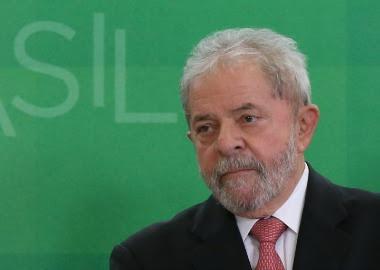 Procuradores elaboram denúncia contra Lula sobre sítio em Atibaia e tríplex no Guarujá
