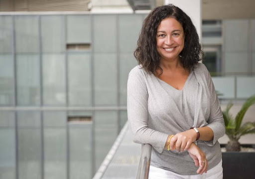 Rosa Gil, presentadora del programa.