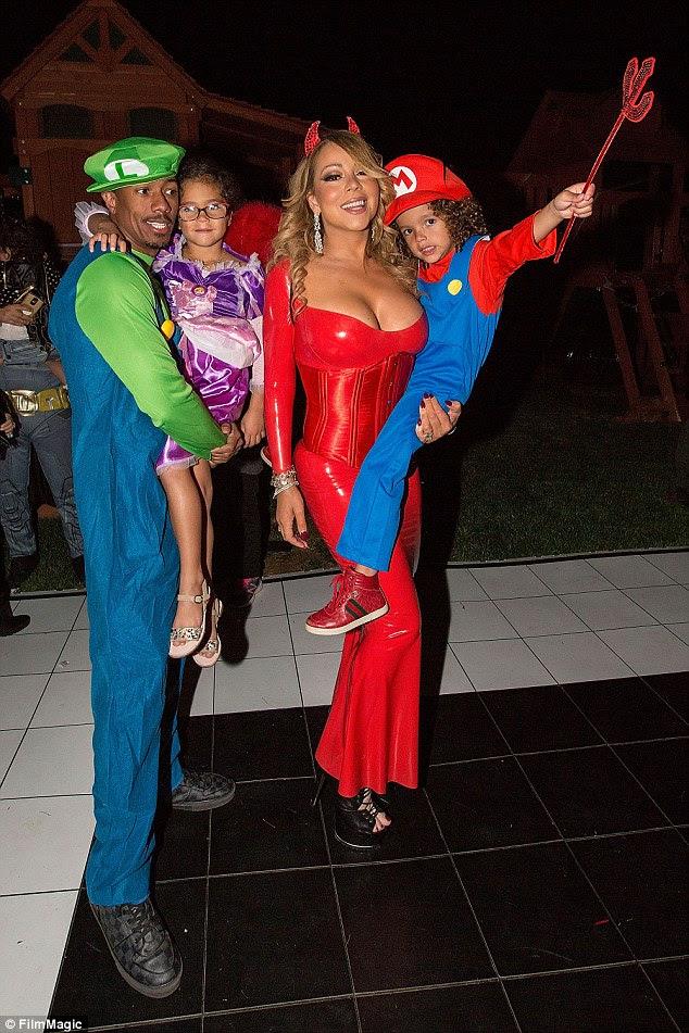 Nenhum sinal de Packer: O bilionário não ir à festa de Halloween da estrela no fim de semana, onde ela foi vista posando com ex-marido Nick Cannon e seus gêmeos
