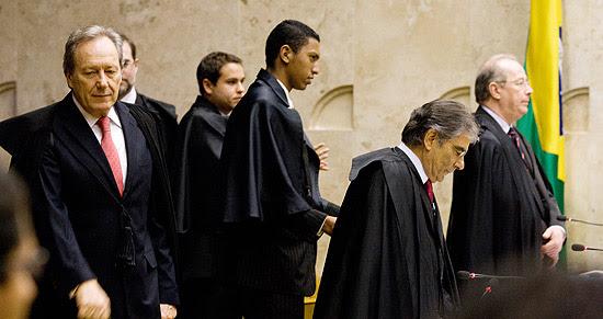 Ricardo Lewandowski, Ayres Britto e Celso de Mello antes do julgamento que anulou Lei da Ficha Limpa em 2010
