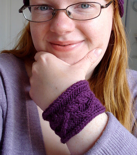 Cabled wrist band cuff easy knitting project