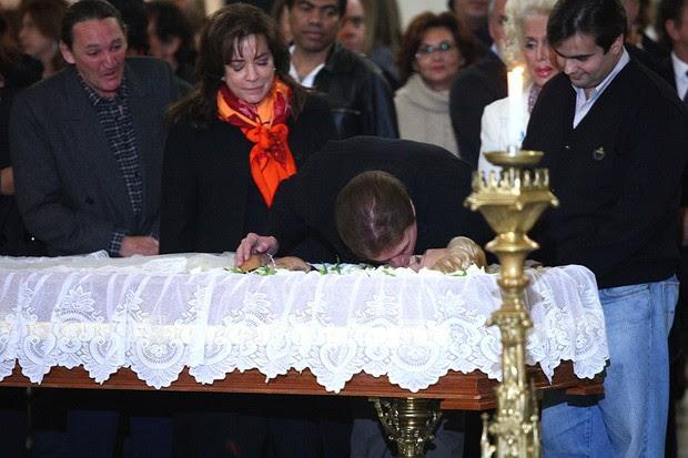 Silvio Santos dá selinho em Hebe Camargo (Foto: Iwi Onodera/ EGO)