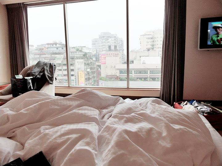 typicalben in bed at regent taipei hotel