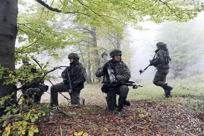 a-polish-soldier-allied-with-u-s-army-europes-173rd-airborne-brigade-combat-tea