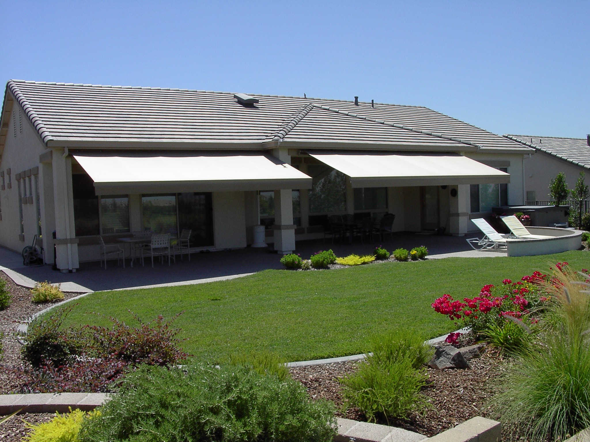 Retractable Awnings | Patio Covers Unlimited NW | Tri ...