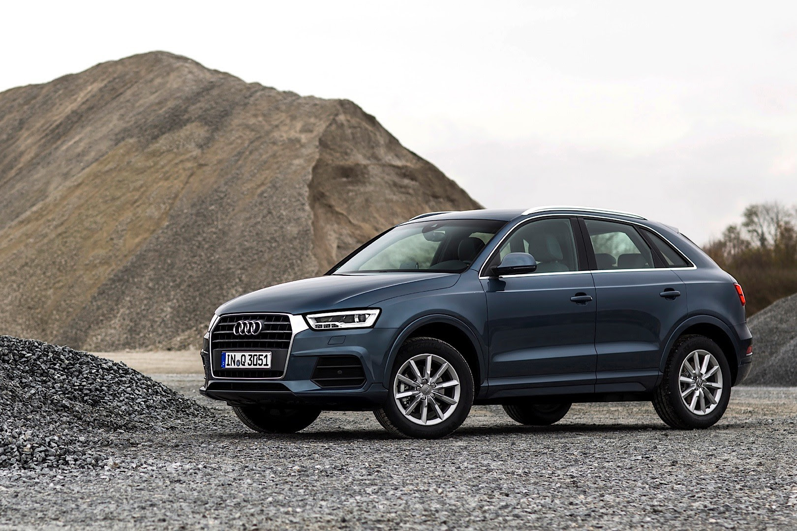 Audi Shares New 2015 Q3 and RS Q3 Photos: Fresh Colors, New Trim ...