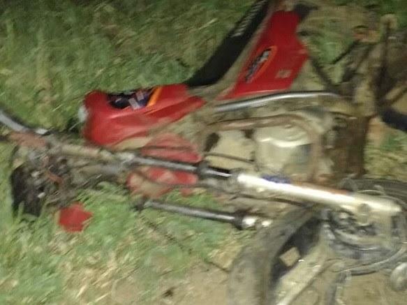 Condutor da moto morreu no local (Foto: Divulgação/Polícia Militar)
