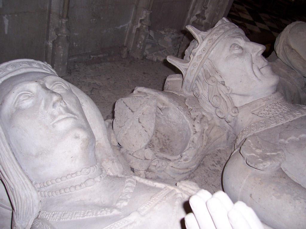 http://www.worcesterhousehold.co.uk/images/gallery01/tiptoft_tomb04.jpg